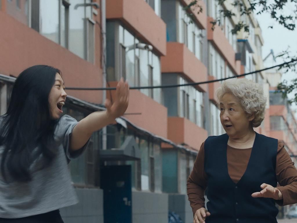 Zhao Shuzhen and Awkwafina in The Farewell.