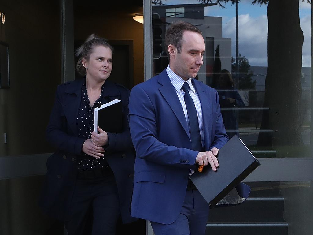 Federal police officers raiding the home of News Corp journalist Annika Smethurst over a story about a secret government plan to spy on Australians.