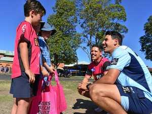 Cricket stars bowl over school students