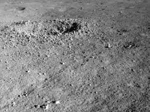 'Shiny gel' found on dark side of moon