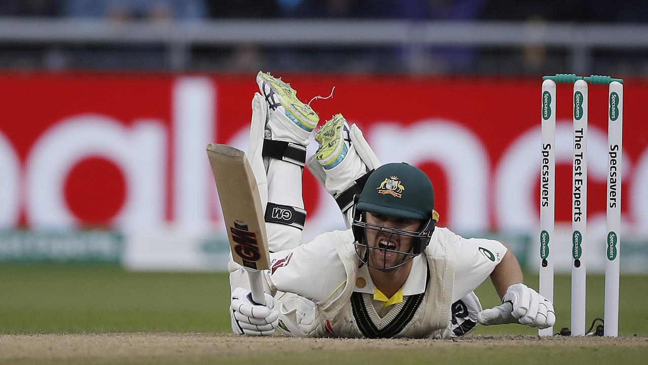 Travis Head failed to kick on on day two at Old Trafford as Australia's soft middle was on show again.