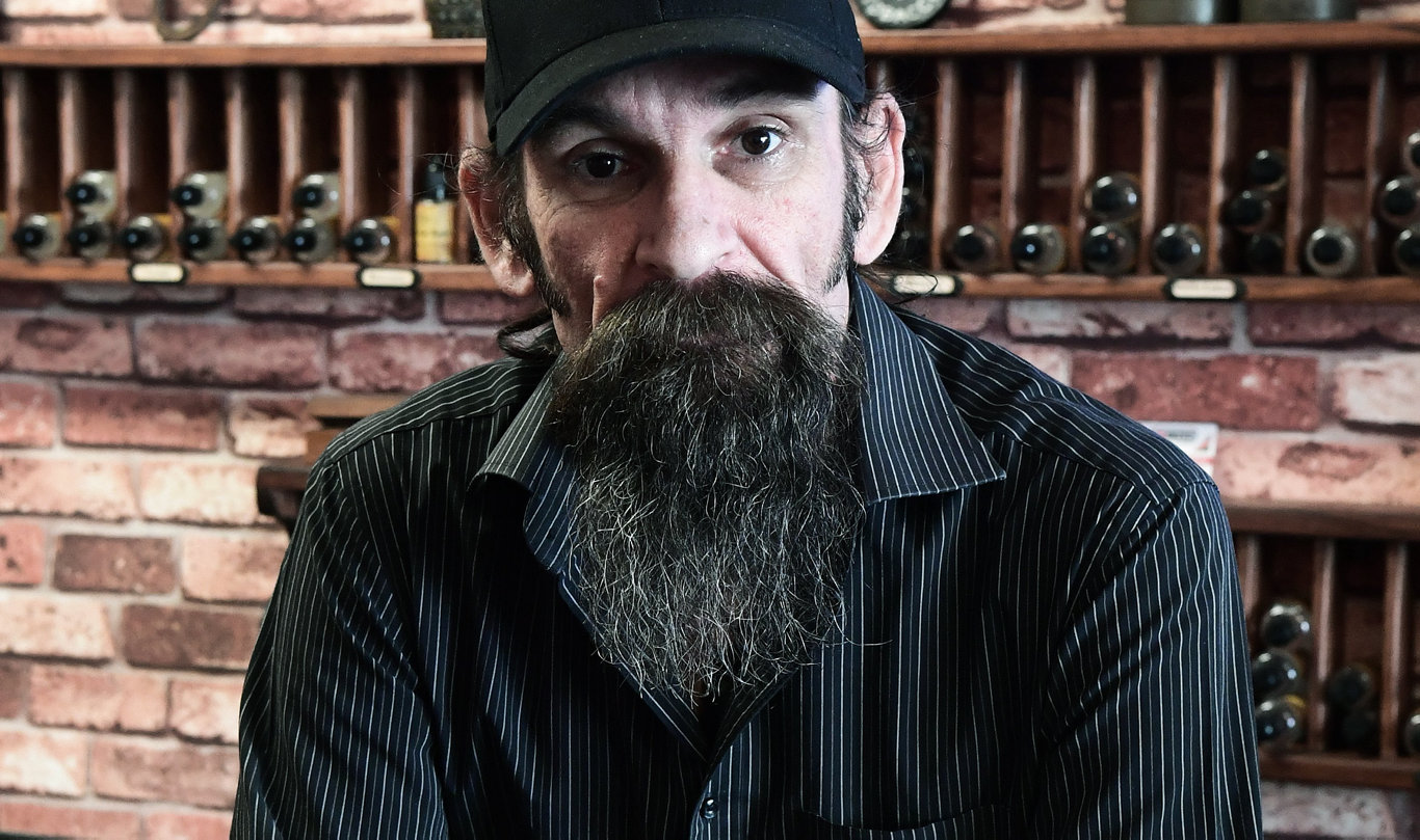 Shane Kerrigan responds to claims from the US that people have died from vaping. He says theyve vaping backyard chemicals and not the stuff he sells.