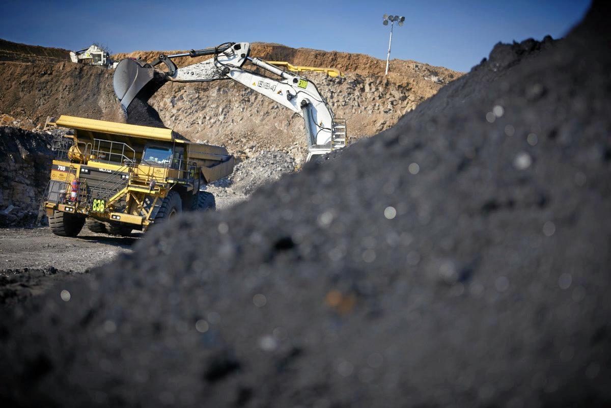 Yarrabee coal mine at Bluff.