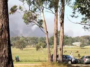 Boeing 737 drops fire retardant on Peregian fires