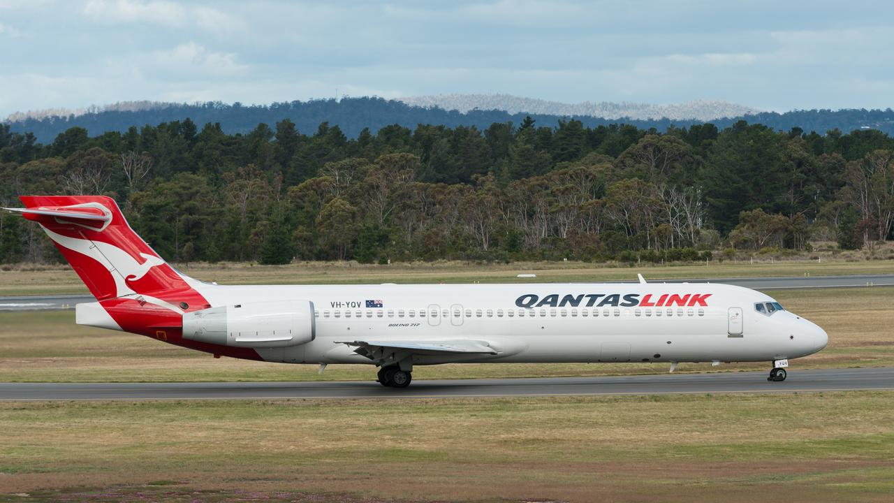 A QantasLink flight was travelling from Sydney to Canberra when it was forced to turn around because of an argument.