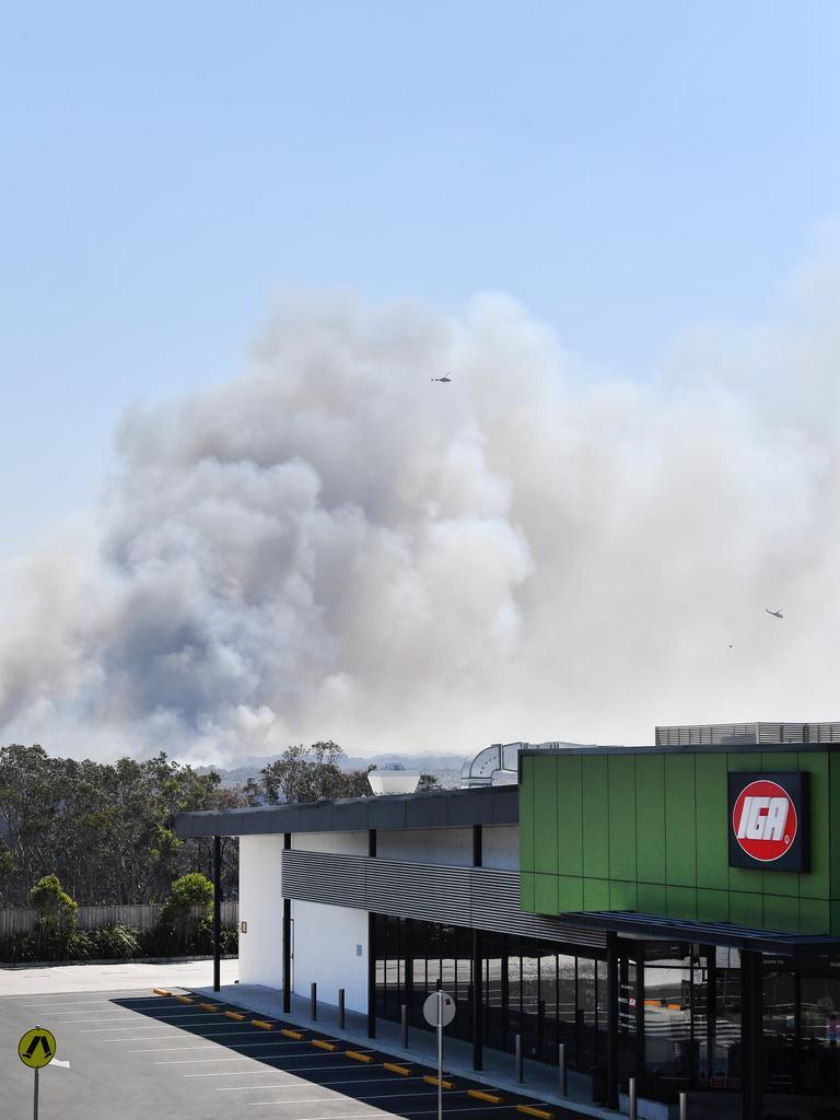 A fire burns behind Peregian Beach. Photo Patrick Woods / Sunshine Coast Daily.