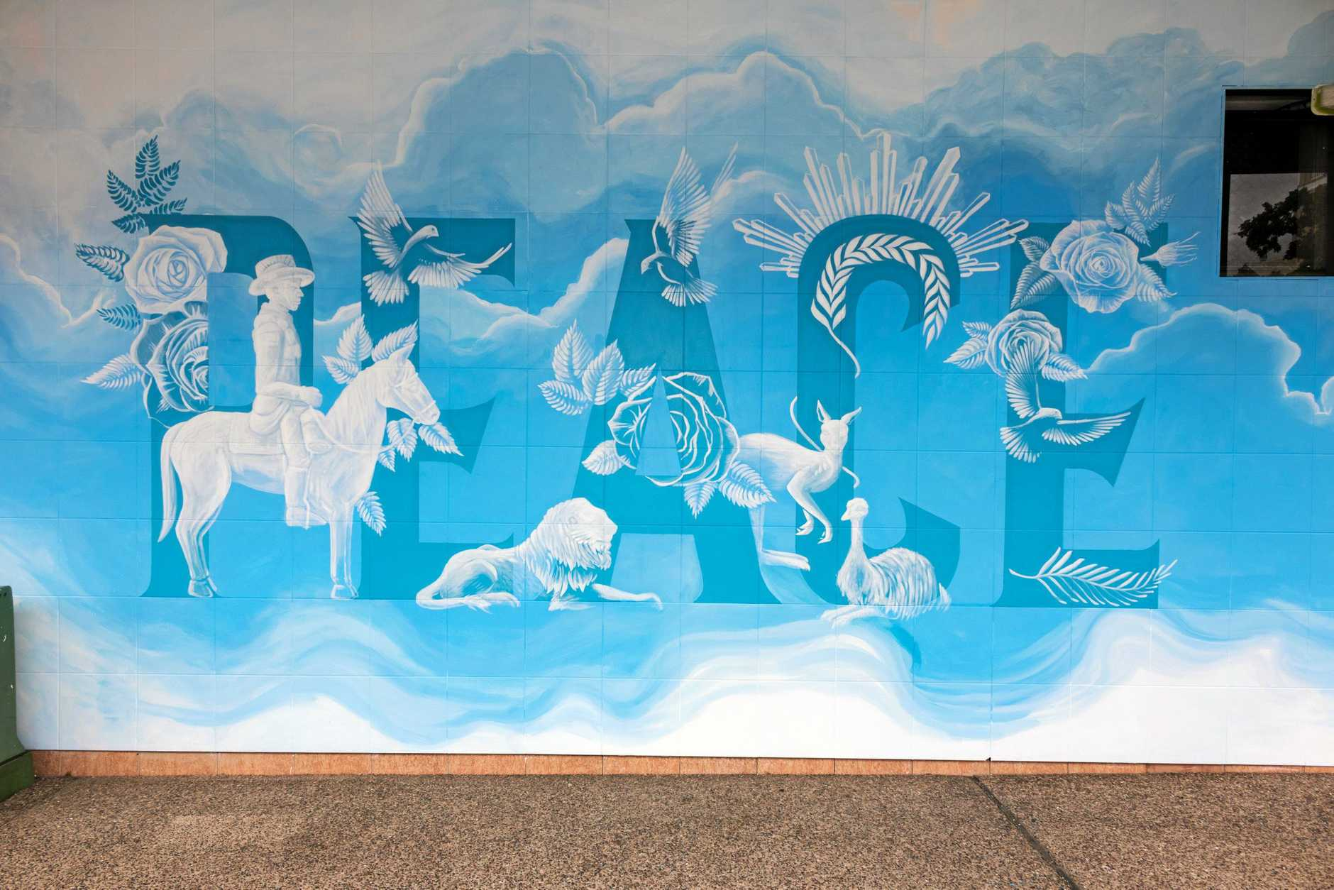 A new mural that accompanies the Peace Cake has now been completed.