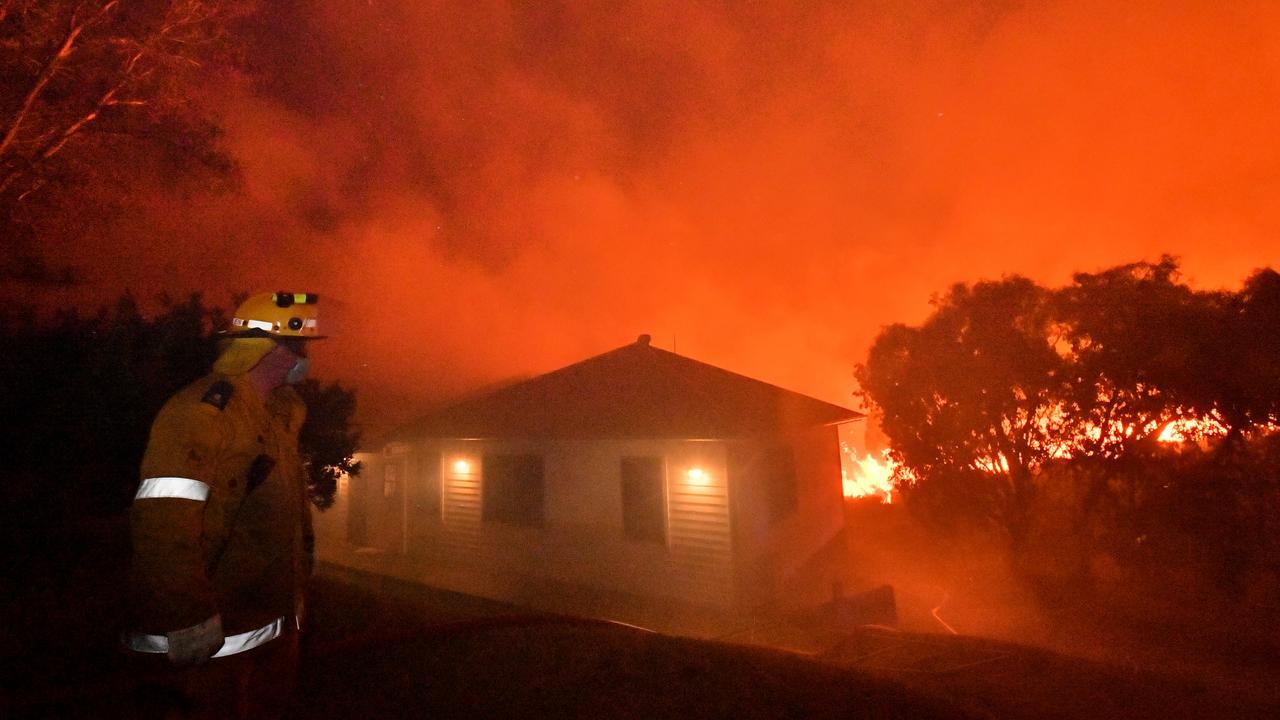 A monstrous and devastating fire ripped through Peregian Springs, Peregian Breeze and Peregian Beach heading north towards Marcus Beach and Noosa. Photo: John McCutcheon / Sunshine Coast Daily
