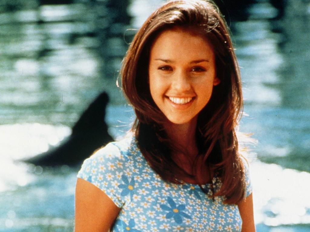 Jessica Alba as Maya in Flipper.