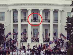 Rare sight on White House balcony