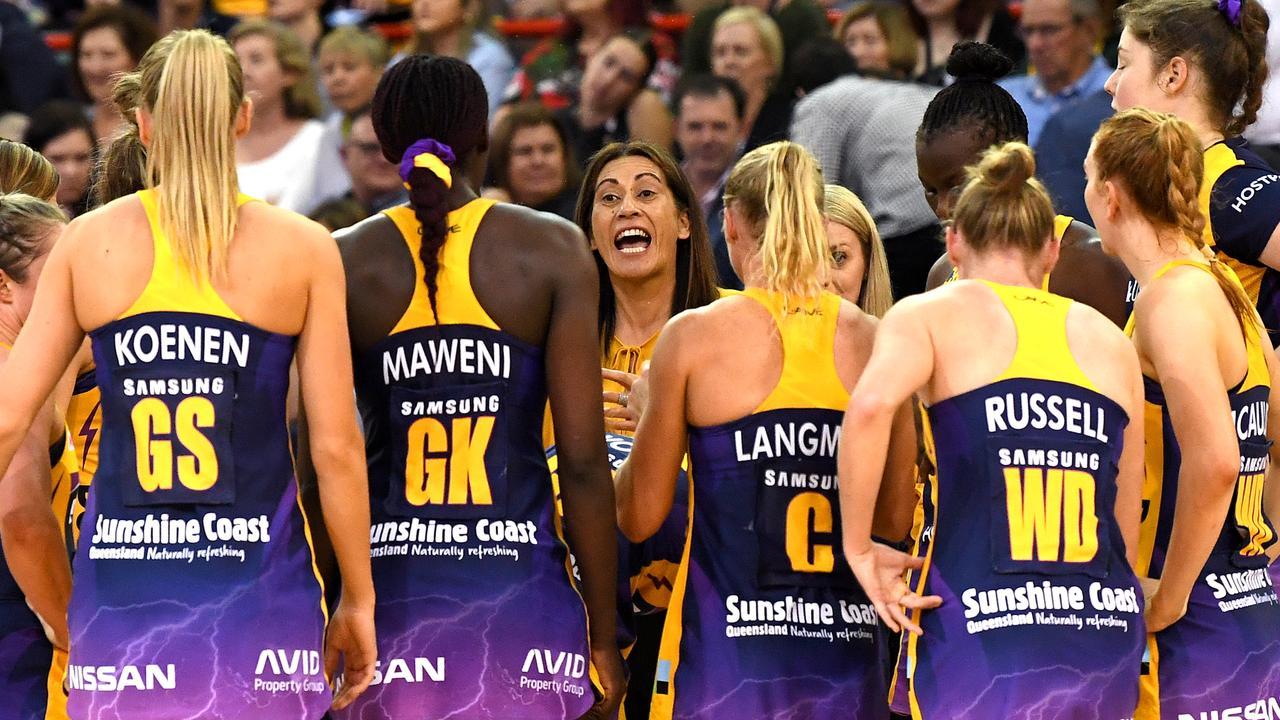 Noelene Taurua tries to rev up her team. Picture: Bradley Kanaris/Getty Images