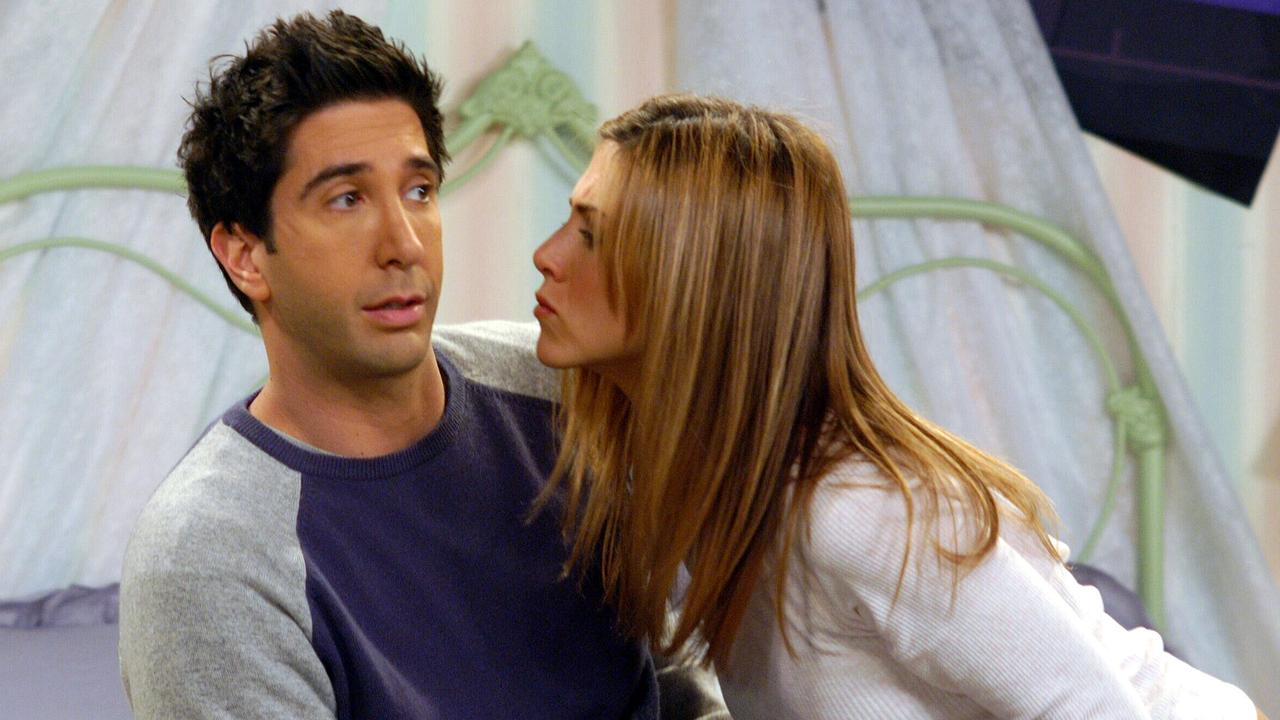 David Schwimmer (Ross) and Jennifer Aniston (Rachel) in a scene from Friends.