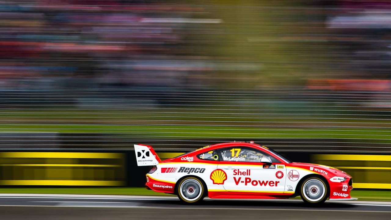 Scott McLaughlin drives the #17 Shell V-Power Racing Team Ford Mustang.