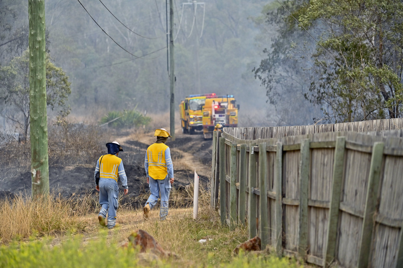 A fast-moving fire was travelling in a south-westerly direction from Rice Rd and Halletts Road towards Swanbank.