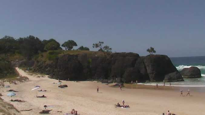 Surfer suffers 'deep' cut on isolated Tweed beach