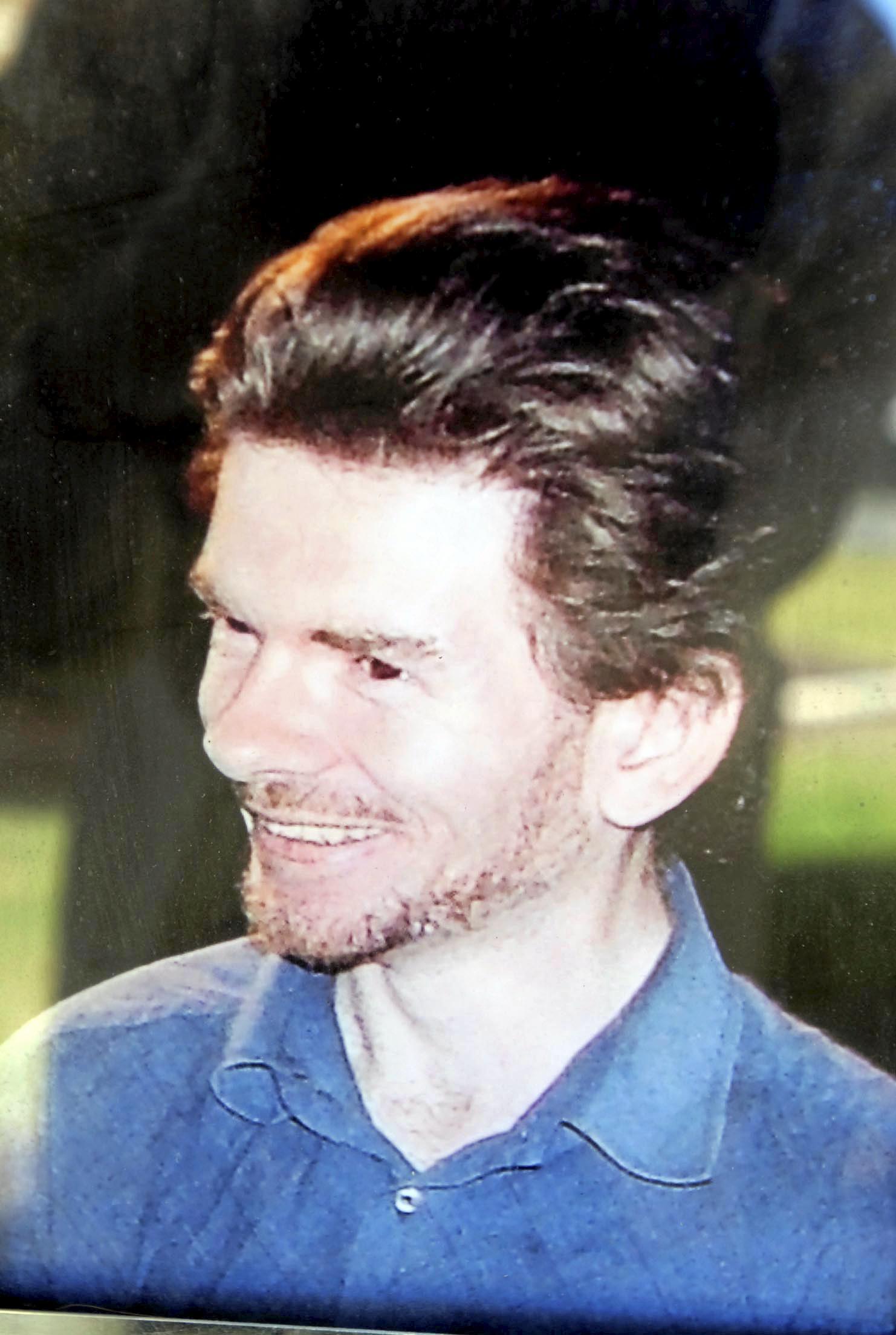 Michael Thompson, 30.