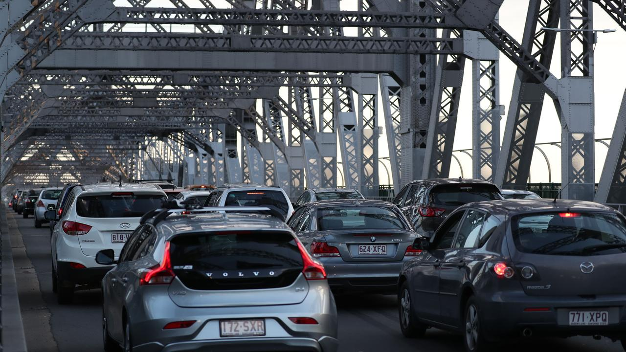 Story Bridge traffic and scene. Pic Annette Dew