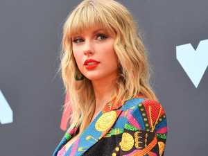 Taylor Swift cans Melbourne Cup date