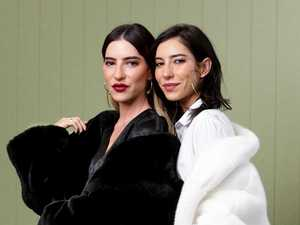 'Belligerent' Veronicas kicked off flight