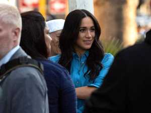 Meghan wears headscarf for mosque visit