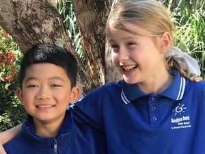 School friendship endures test of distance