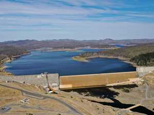 Mayor calls for federal intervention over dam