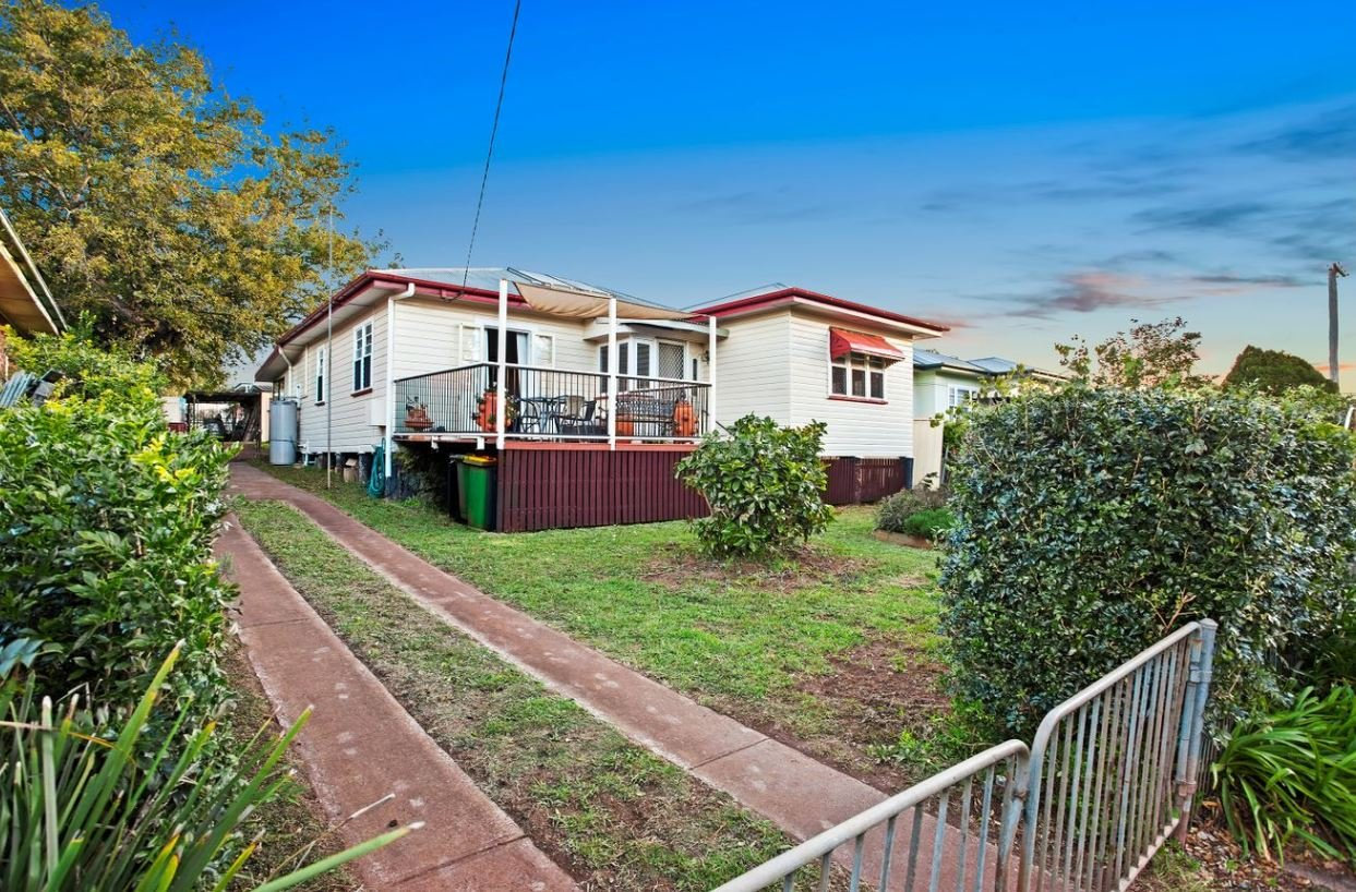 26 Underwood Crescent, Harristown, Qld 43503 bedrooms1 bathroom4 garage spaces 847 m HouseOffers over $345,000