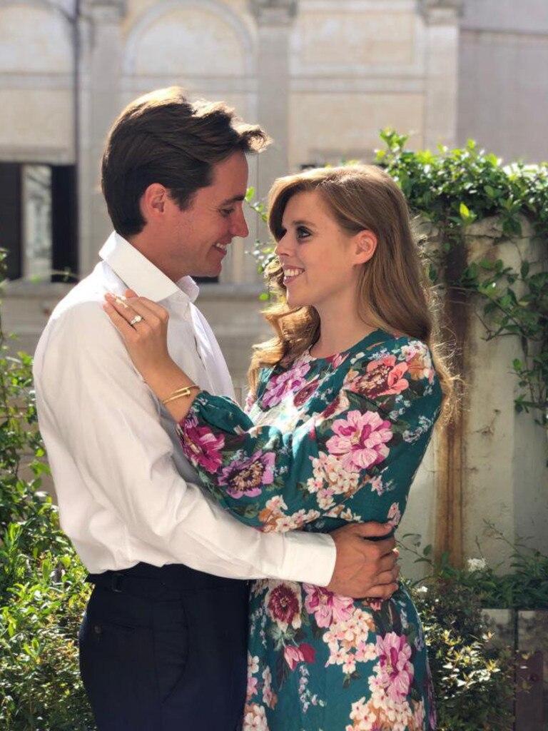 The Palace tweeted these images of Princess Beatrice and Edoardo Mapelli Mozzi