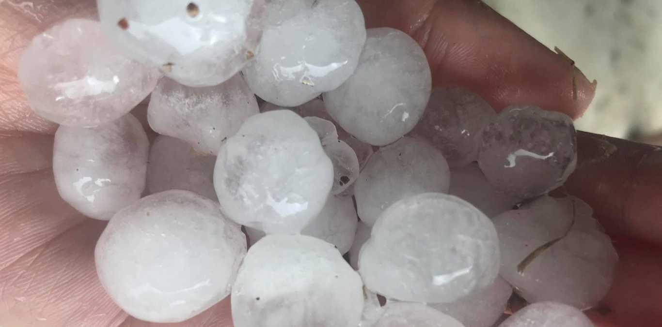 Belinda Robinson shares photos of hail hitting Beewah.