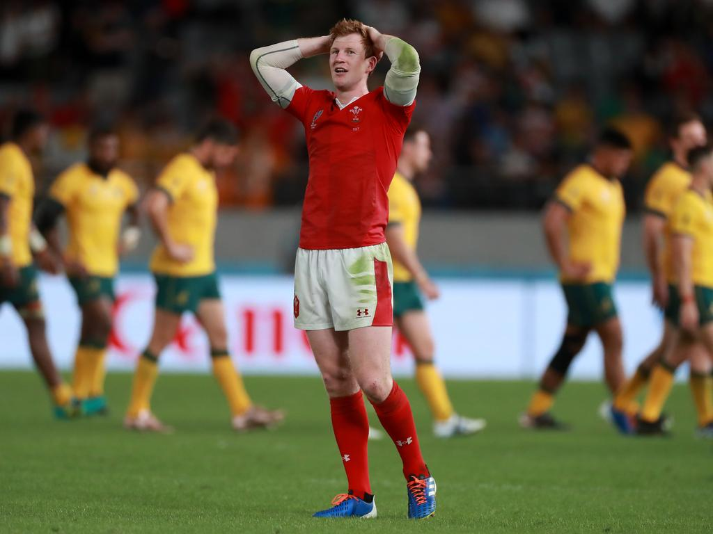 Rhys Patchell soaks up the atmosphere after the game. (Photo by David Rogers/Getty Images)