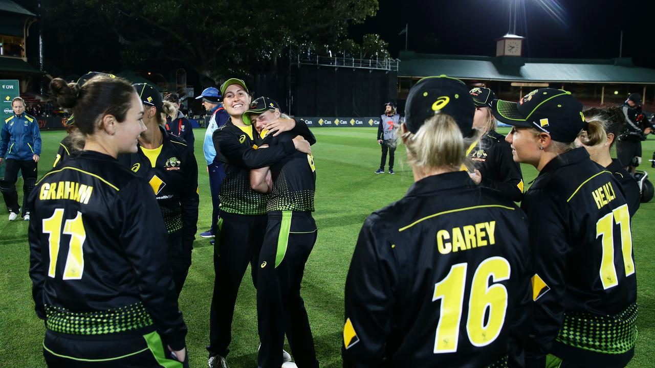 Australia v Sri Lanka - Women's T20 Game 2