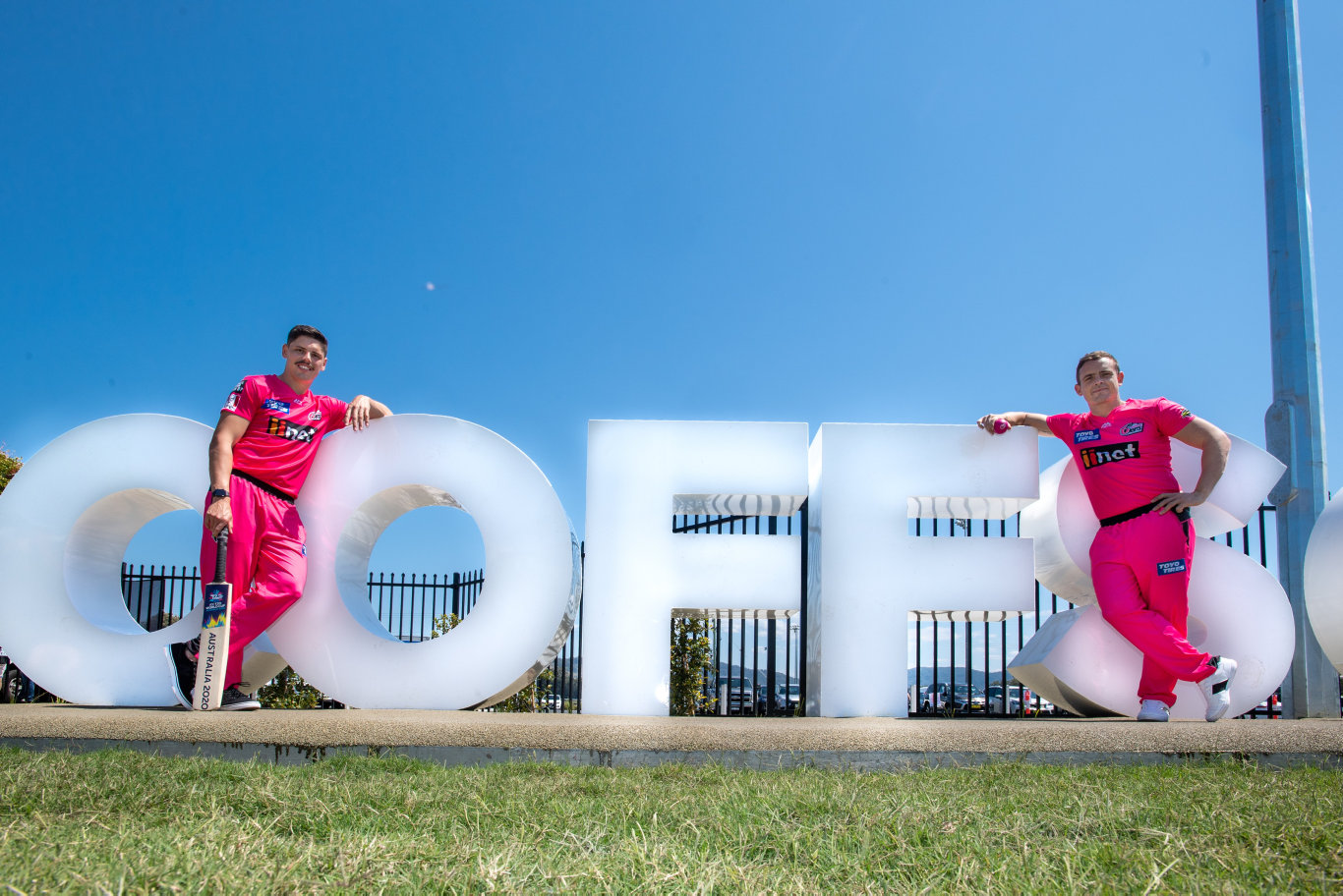 READY TO FIRE: Sydney Sixers stars Ben Dwarshuis and Steve O'Keefe in Coffs Harbour to promote the match.