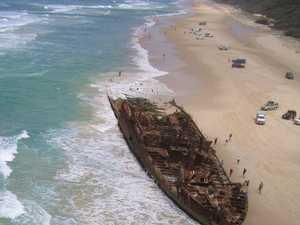 4WD scrape on Fraser Island