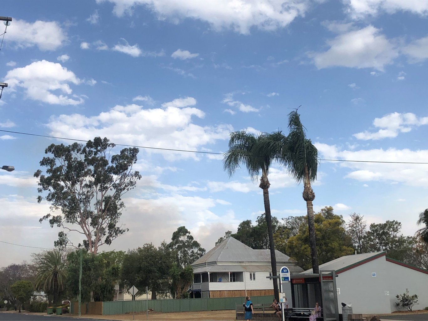Smoke is visible from Laidley, which has a 'leave now' fire alert.