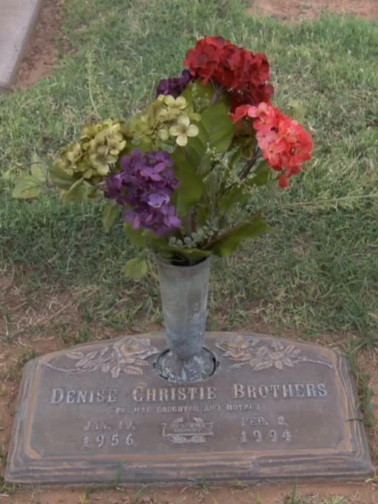 Denise Brothers' gravesite.