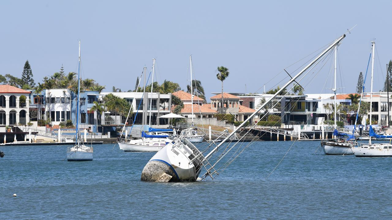 Half-sunken yacht in the Mooloolah River. Photo Patrick Woods / Sunshine Coast Daily.