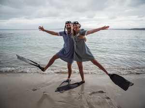 Newslyweds' quirky swim around Lady Elliot Island