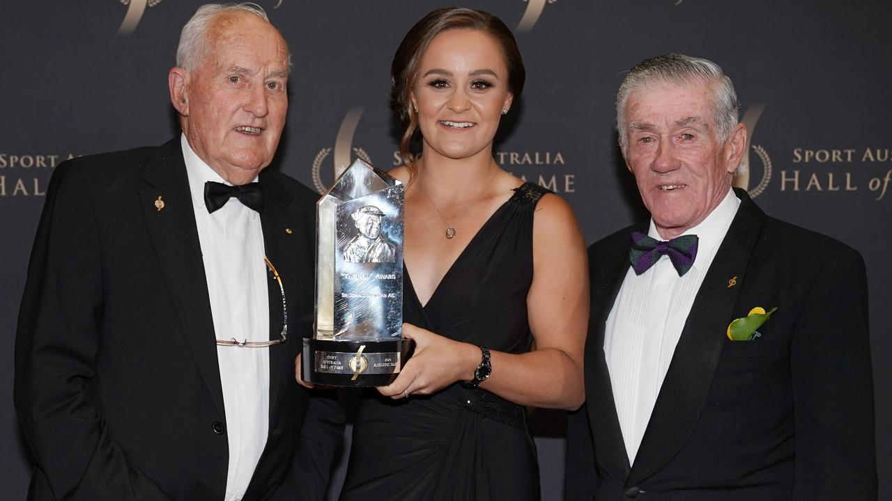 The Don Award winner Ash Barty poses with fellow inductees Neale Fraser (left) and Ken Rosewall during the Sport Australia Hall of Fame 35th Induction and Awards Gala Dinner at the Palladium at Crown in Melbourne. Picture: AAP