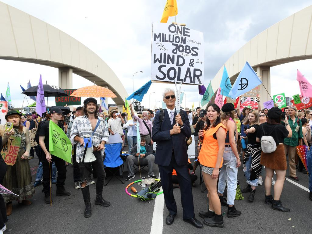 Activists from Extinction Rebellion (XR) take over the William Jolly Bridge. Picture: AAP Image/Dave Hunt