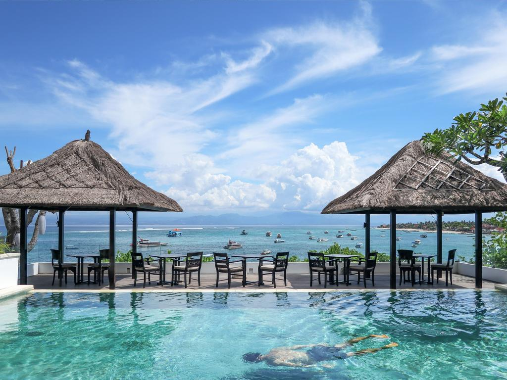 Batu Karang Lembongan Resort & Spa.