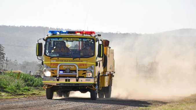Residents told to be vigilant of large bushfire in Valley