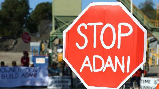 Green protesters 'not ruling out' Mackay truck blockade