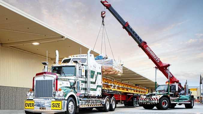 Kenworth delivers unique girder crane to Bayswater site
