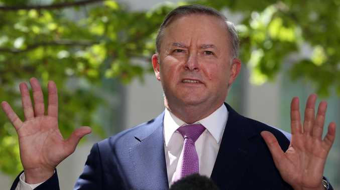 Labor will back trio of free trade deals