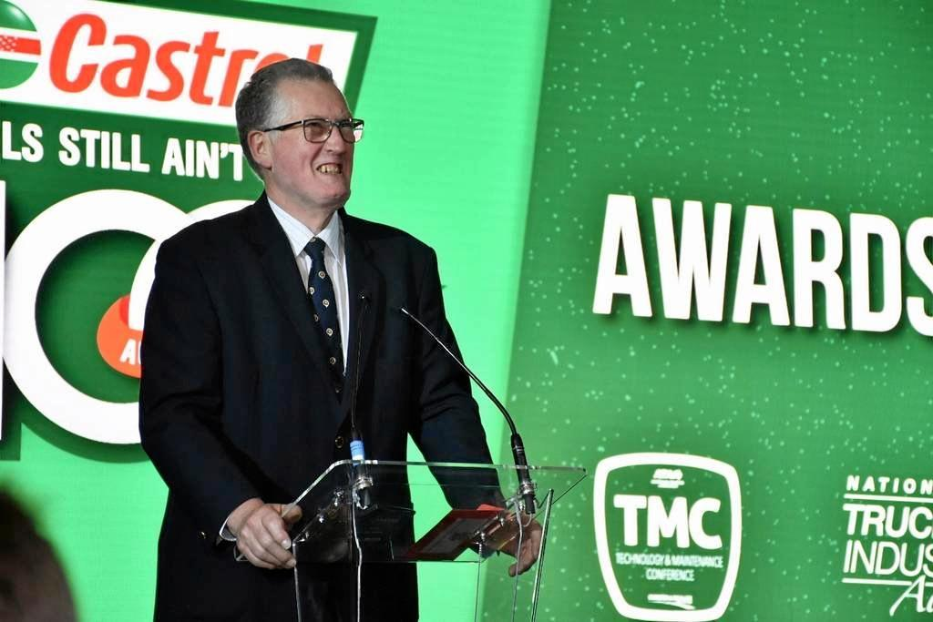 Phil Webb was a deserving recipient of the Castrol Vecton Industry Achievement Award for his technical innovation and achievement within the Australian trucking industry.