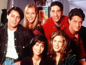 Friends cast reunite in epic picture