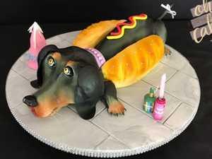 Toowoomba woman creates amazingly realistic cakes
