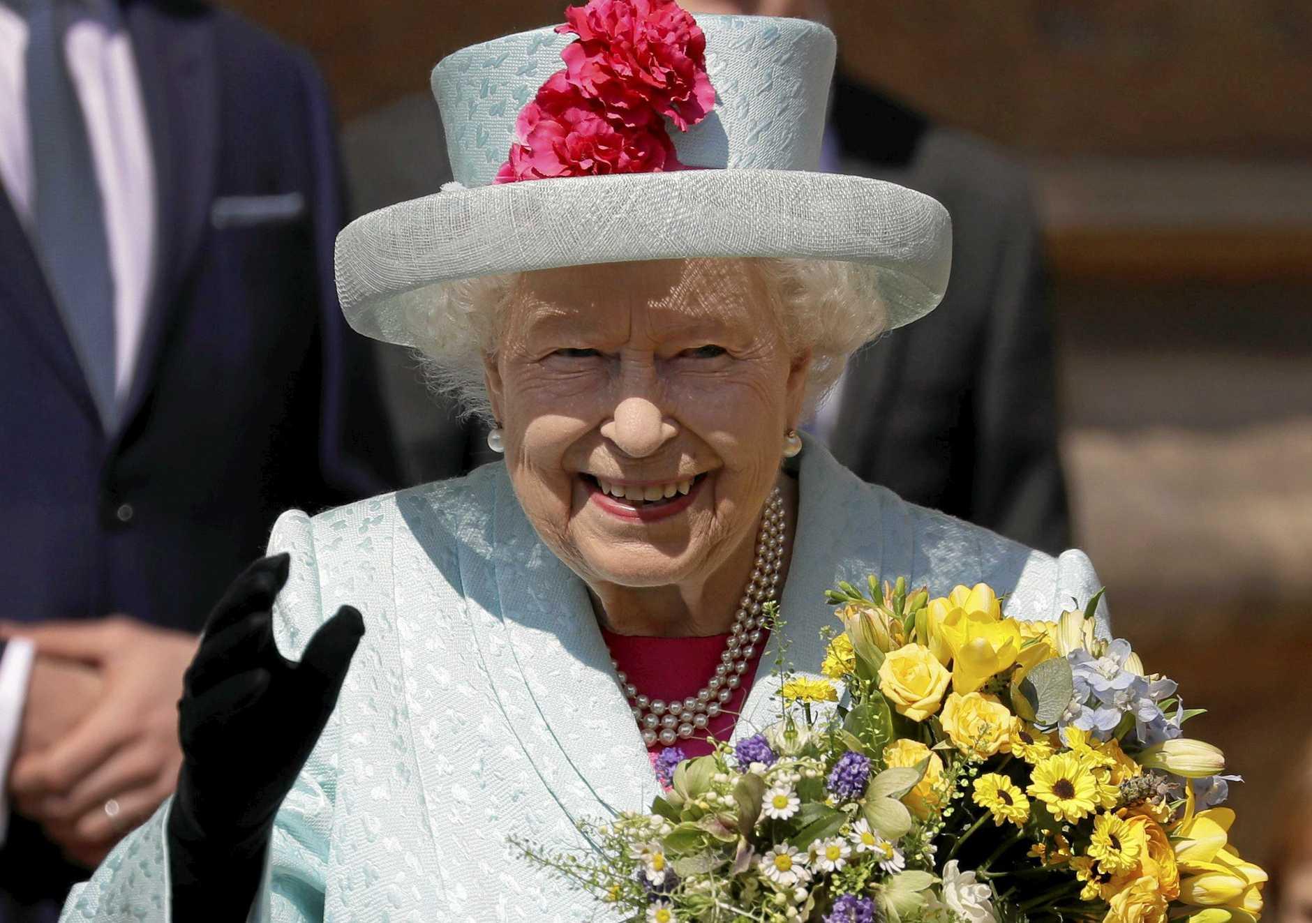 Britain's Queen Elizabeth II has sent a message to fire survivors via the Governor General of Australia.