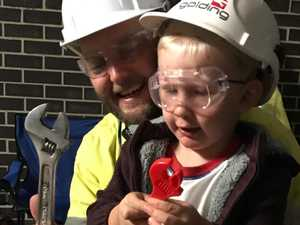 'My dad does FIFO': Man's clever parenting move to help son