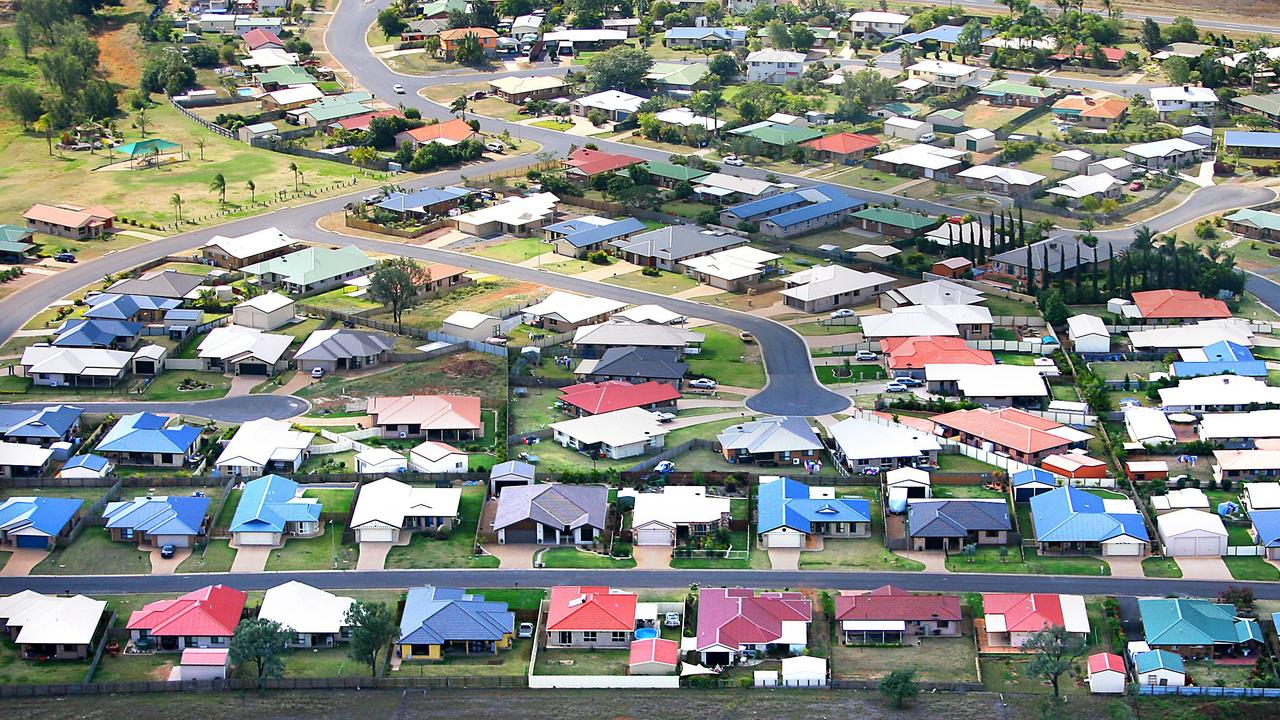 New house development in Gracemere in 2010. Zamia Way running along bottom of pic.